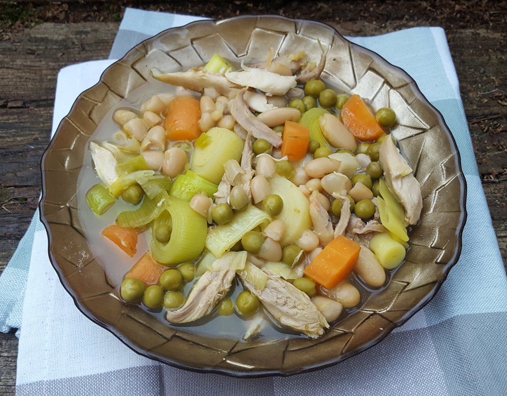 Zesty chicken, bean & leek stew