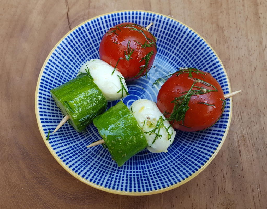 Mozzarella, cucumber and tomato bites