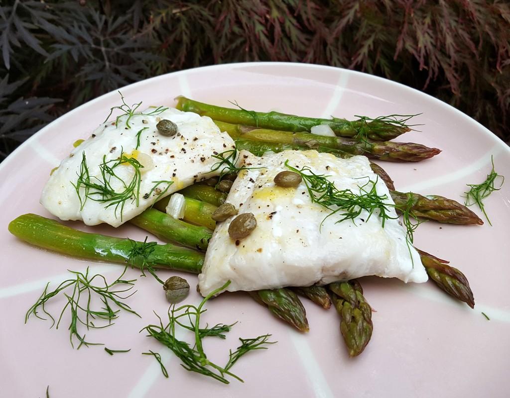 Sautéed haddock with asparagus