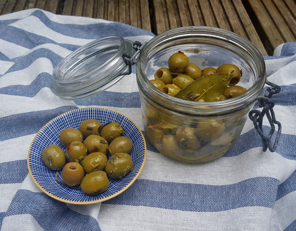Zesty Green Olives