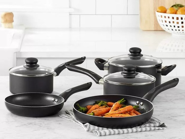 AmazonBasics Nonstick Cookware Set