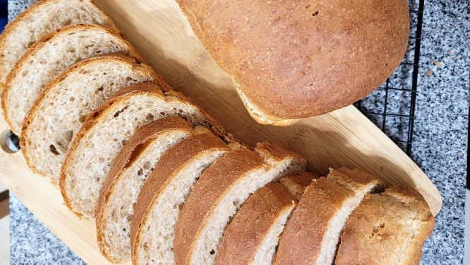 SOFT WHOLE WHEAT HONEY BREAD