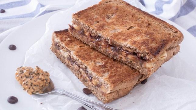 烘香蕉花生醬三明治早餐食譜