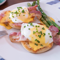 Bacon Asparagus Eggs Benedict with Hollandaise Sauce