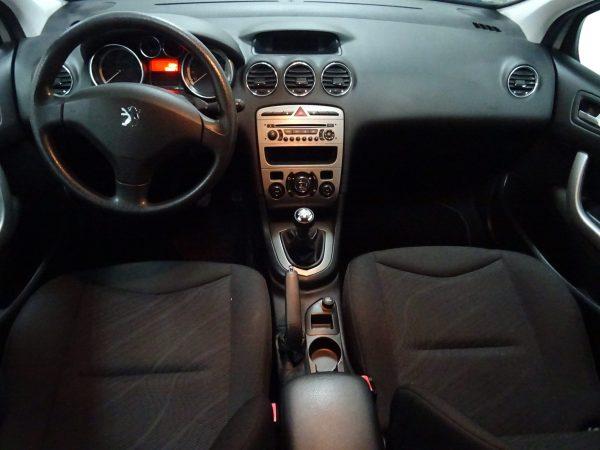 Peugeot 308 1.6L HDI intérieur