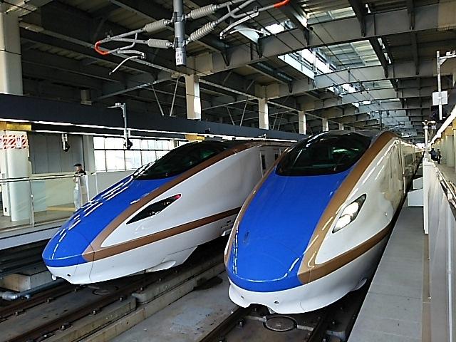 北陸新幹線,金沢駅,かがやき,はくたか