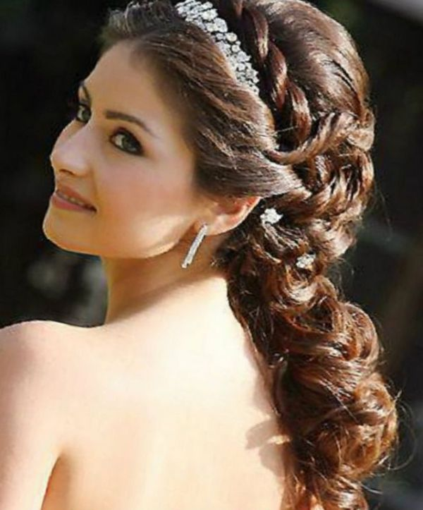 30 Wedding Hairstyles Long Hair With Tiara Hairstyles Ideas
