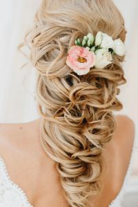 wedding hairdos for long hair with flower