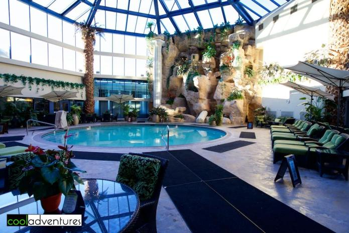 Atrium pool, Atlantis Casino Resort Spa