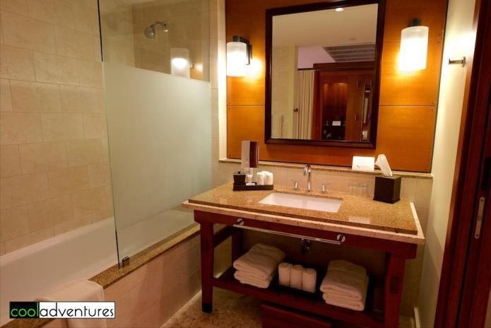 Guest room bath, Santa Barbara Beach & Golf Resort, Curacao