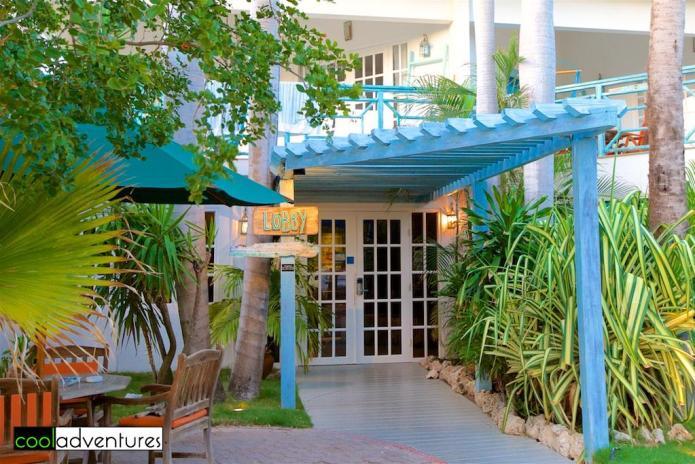 Boardwalk Hotel Aruba lobby entrance
