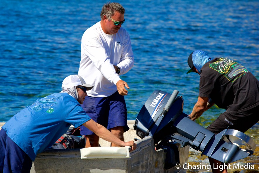 Aaron, Alec & Ryan land a skiff, Isla Santa Catalina