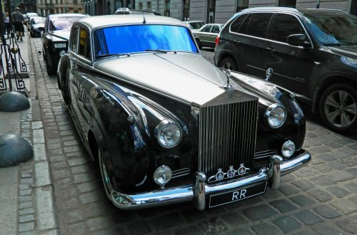 Rolls-Royce Silver Cloud IІ (1959-62) & Rolls-Royce Phantom (2003)