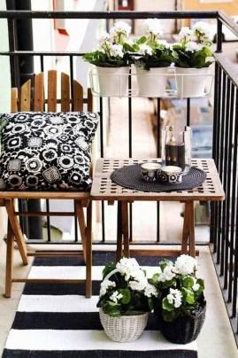 amazing-decorating-ideas-for-small-balcony-1