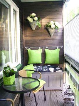 green-balcony-accents