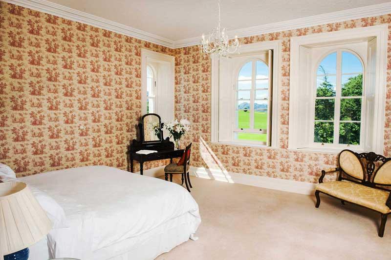 rose-bedroom-m