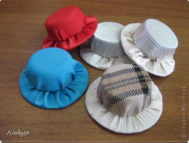 DIY Cute Hat Hair Clip Out Of Plastic Cap