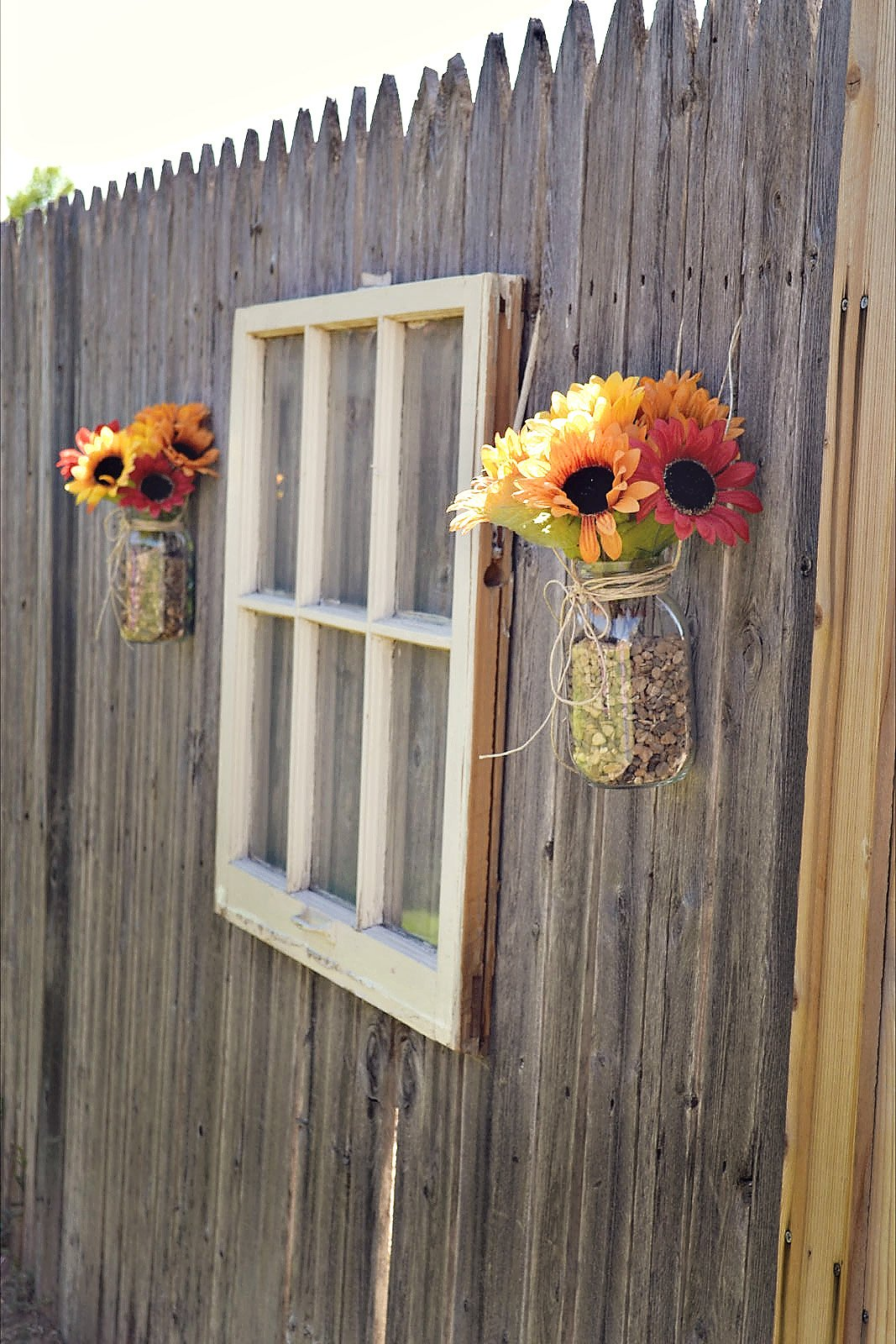 30 Cool Garden Fence Decoration Ideas  Page 2 of 5