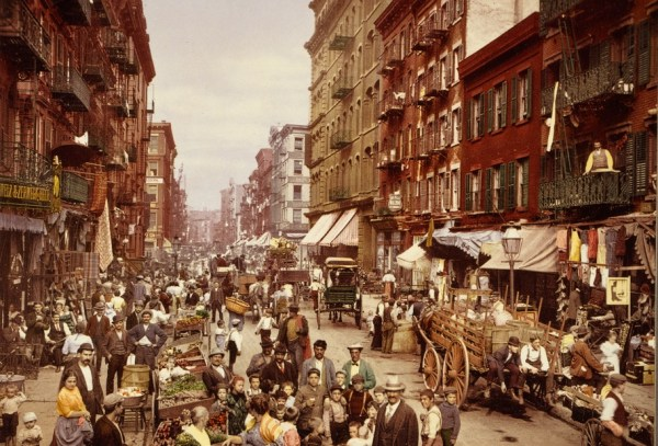 A 1900 Photocrom of a bustling New York City street