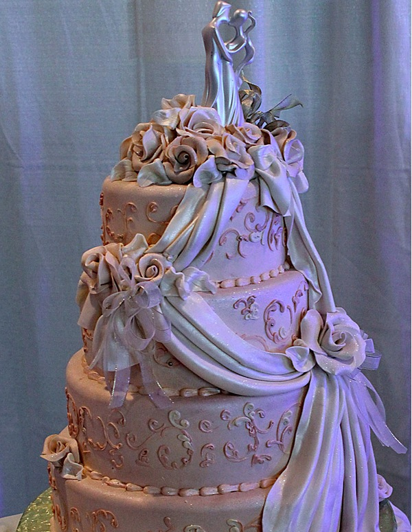 Couple wedding cake