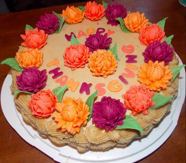 Cake with flower decoration