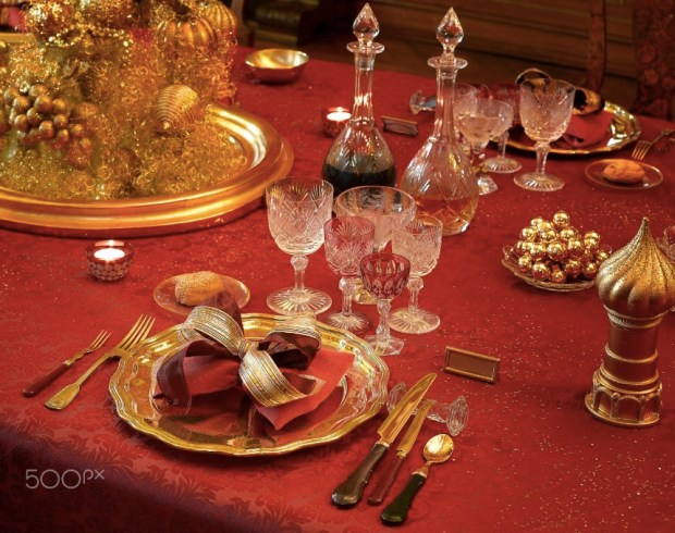 dinner-party-luxury-table
