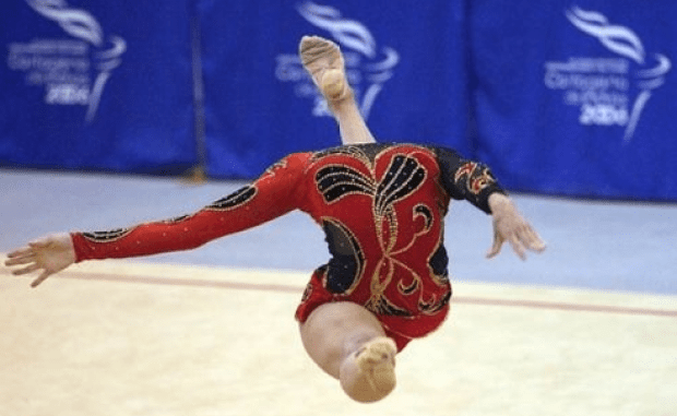 Headless gymnast perfect timed