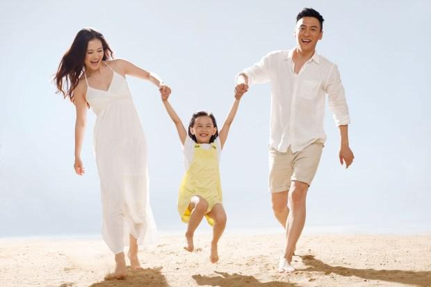 Family on beach1