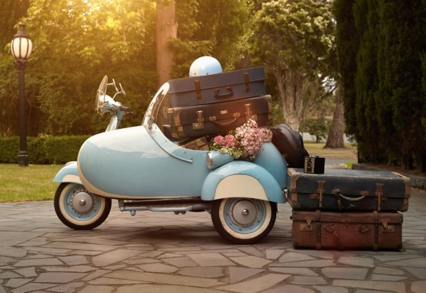 suitcases-in-vintage-scooter-sidecar