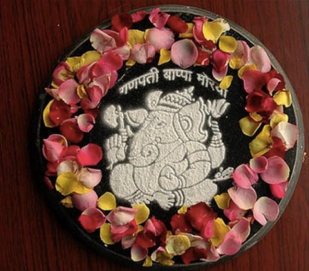 beautifully-presented-rangoli