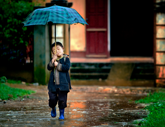 Cute Kids Couple Wallpapers 21 Of The Best Rain Photography Samples