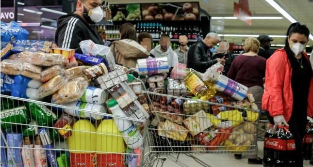 Y nos volvimos locos comprando productos de primera necesidad: ¿histeria colectiva?