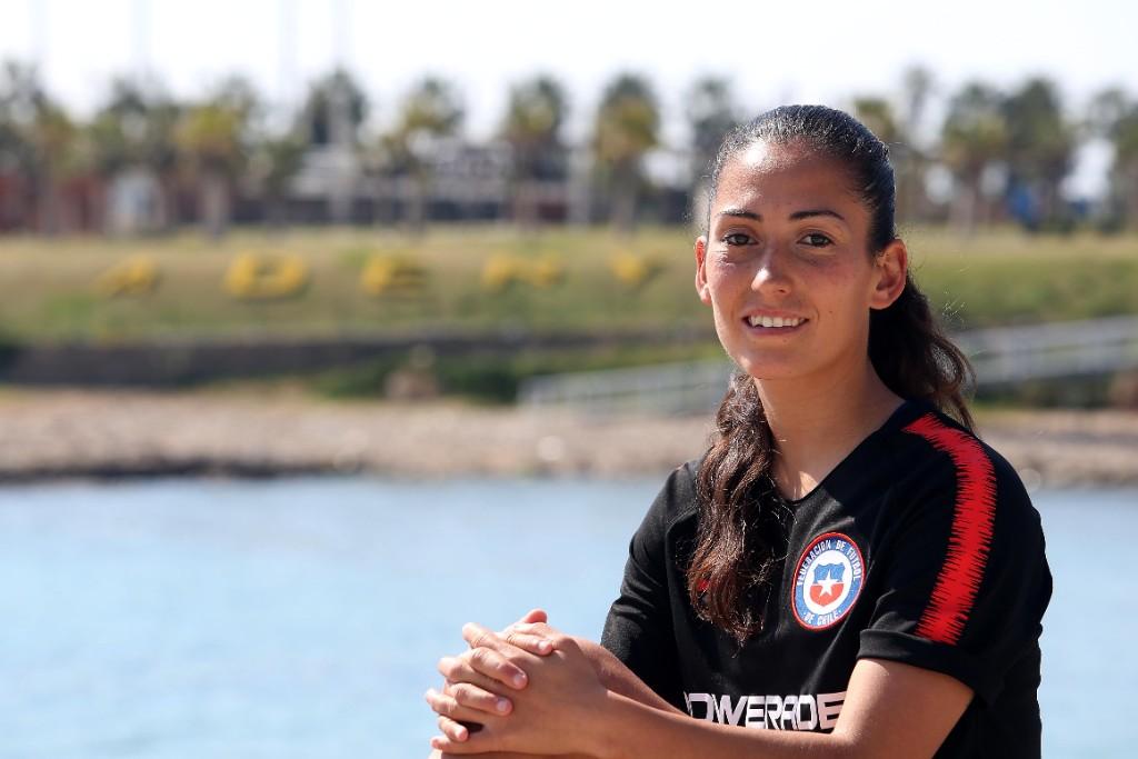 """Nayadet López, jugadora de la Roja: """"A los ocho años decidí representar a Chile"""""""