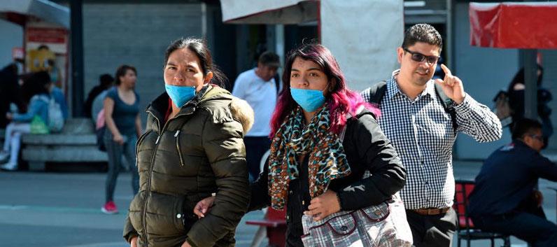 """""""Vivir en pandemia"""", ¿Cómo lo enfrentan los chilenos?"""