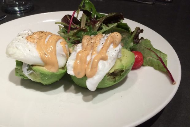 Moroco Chocolat, Avocado and tomato breadless benny