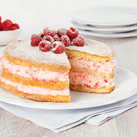 Genoise Cake with Raspberry and Cream