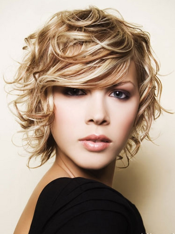 Trendy hairstyles for Round Face Shapes  Cool Hairstyles