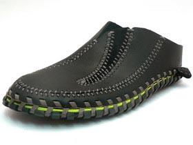 NikeLongBallLaceslipblack.jpg