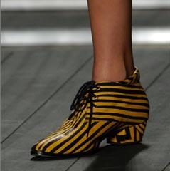 shoesNeon1.jpg