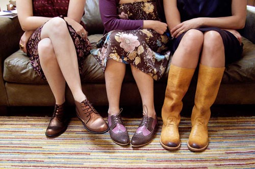 Esquivel-shoes-legs.jpg