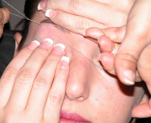 Shoot_pg192-193JaimieWarren_UntitledLindsay-Eyebrows2007.jpg