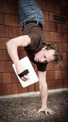 handstand-user2.jpg