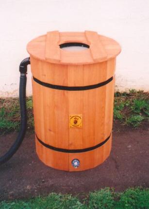 delux-rain-barrel.jpg