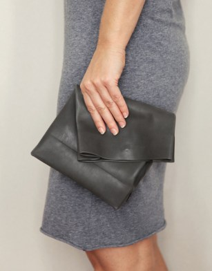 ANVE-bag-in-hand-8.jpg