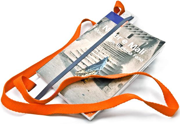 Almove-walkaround-bookmark.jpg