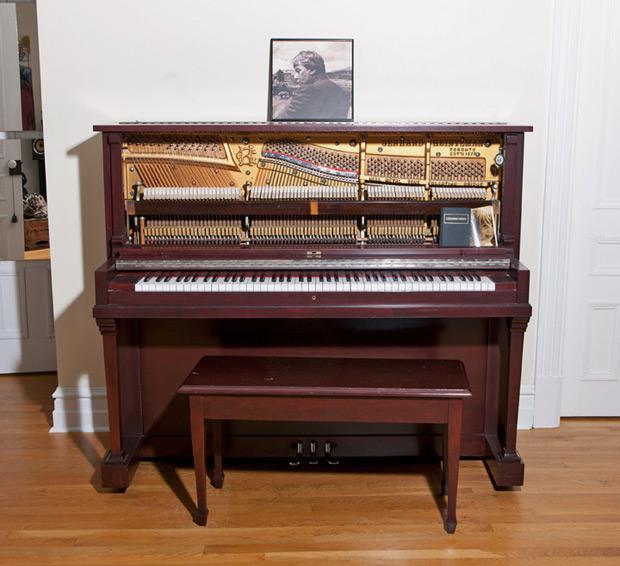 Ariane_Moffat-piano.jpg