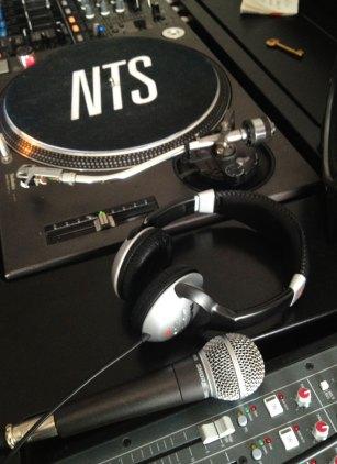 nts-radio5.jpg