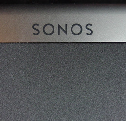 Sonos-Playbar-logo-detail-5.jpg