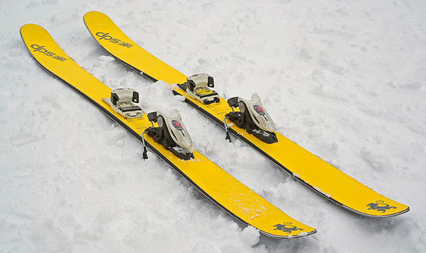 dps-skis-image3.jpg