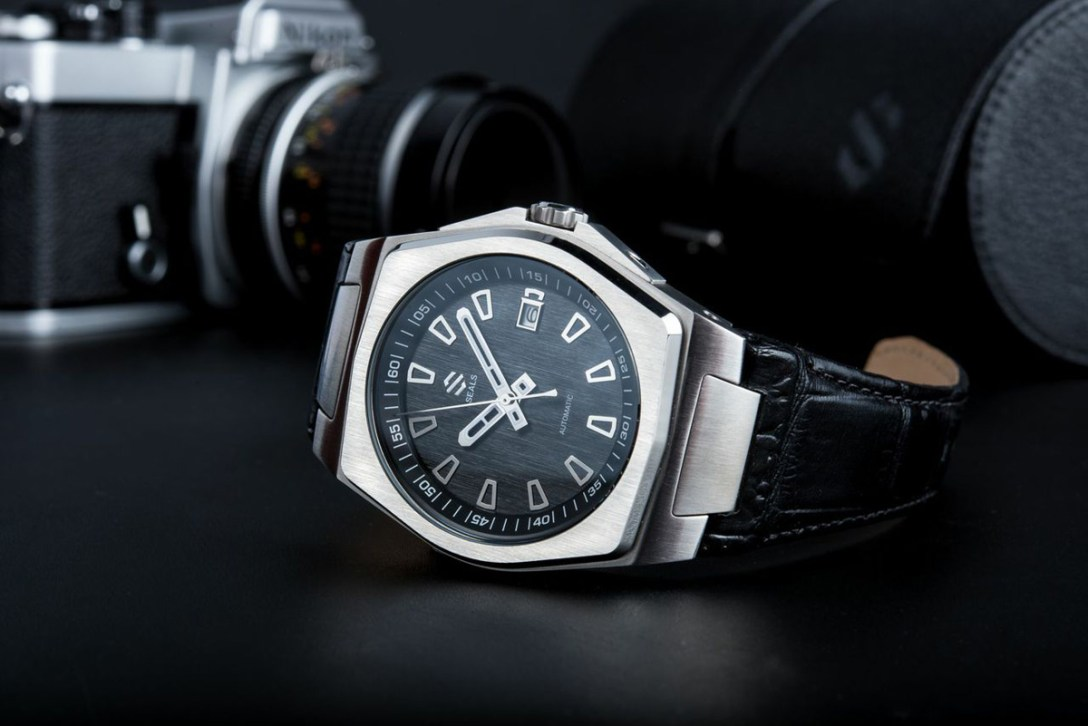 SealsWatches-02.jpg